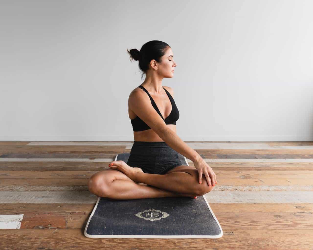 Yogaterapia y Autogestion de la Salud