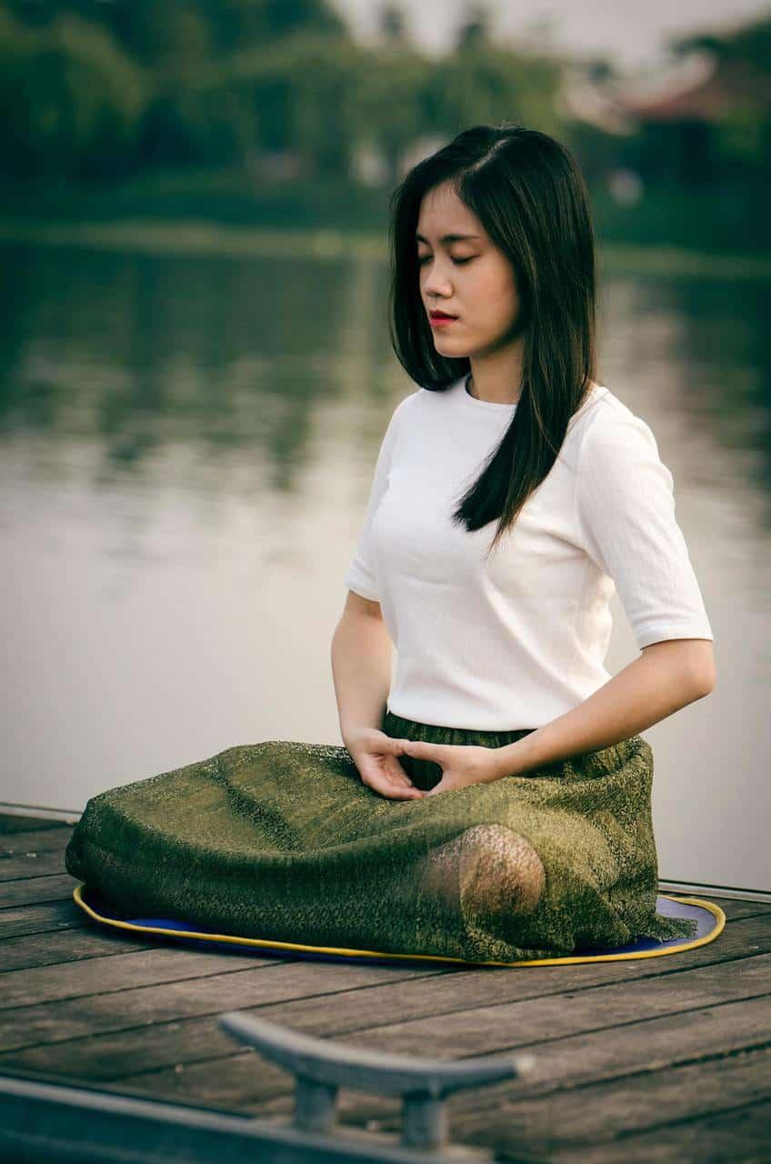 Medita para dejar fluir tus emociones